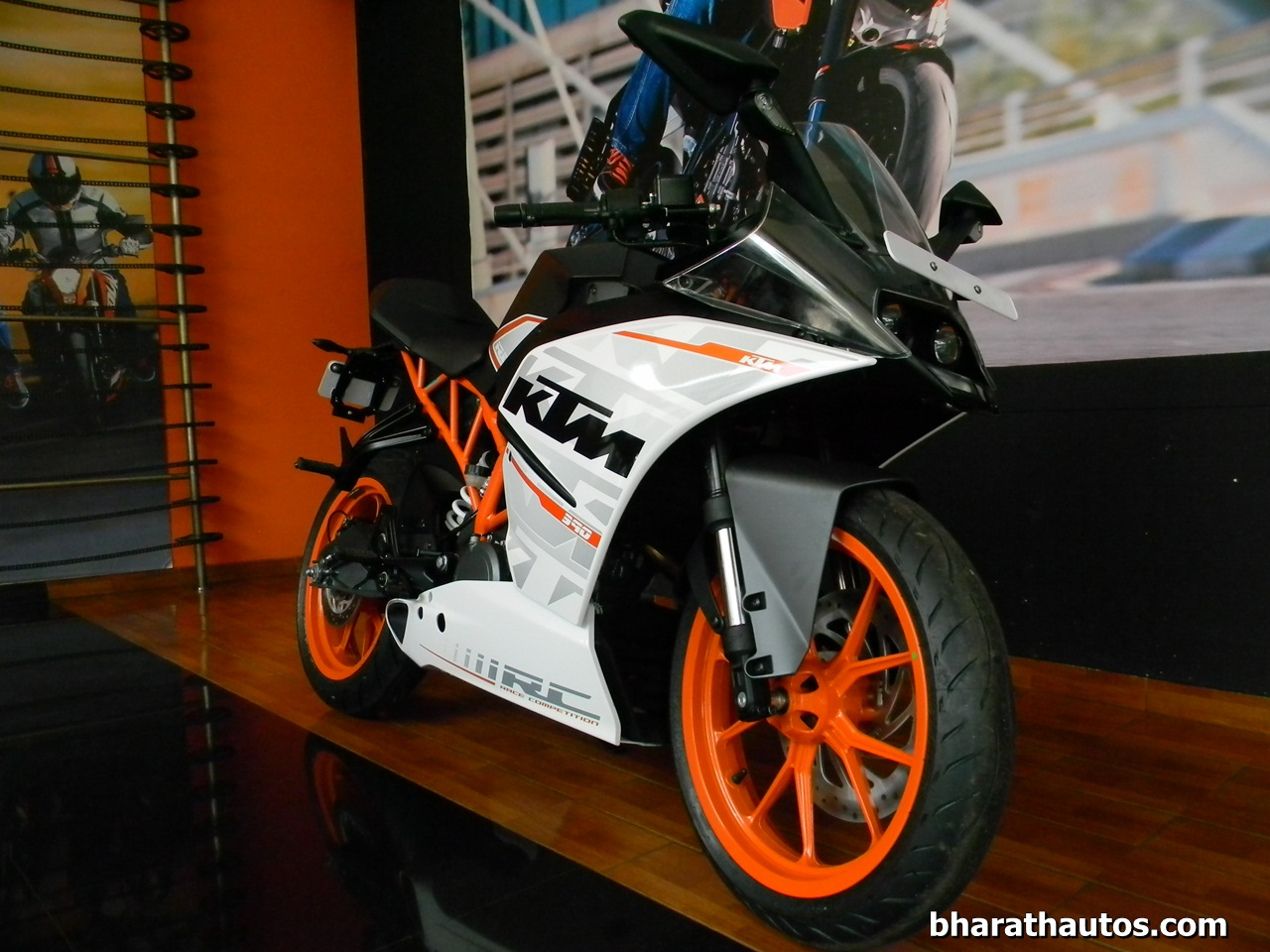 ktm rc 390 - detailed review and picture gallery