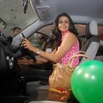 mahindra-reva-e2o-birthday-gift-gul-panag-004