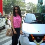mahindra-reva-e2o-birthday-gift-gul-panag-009