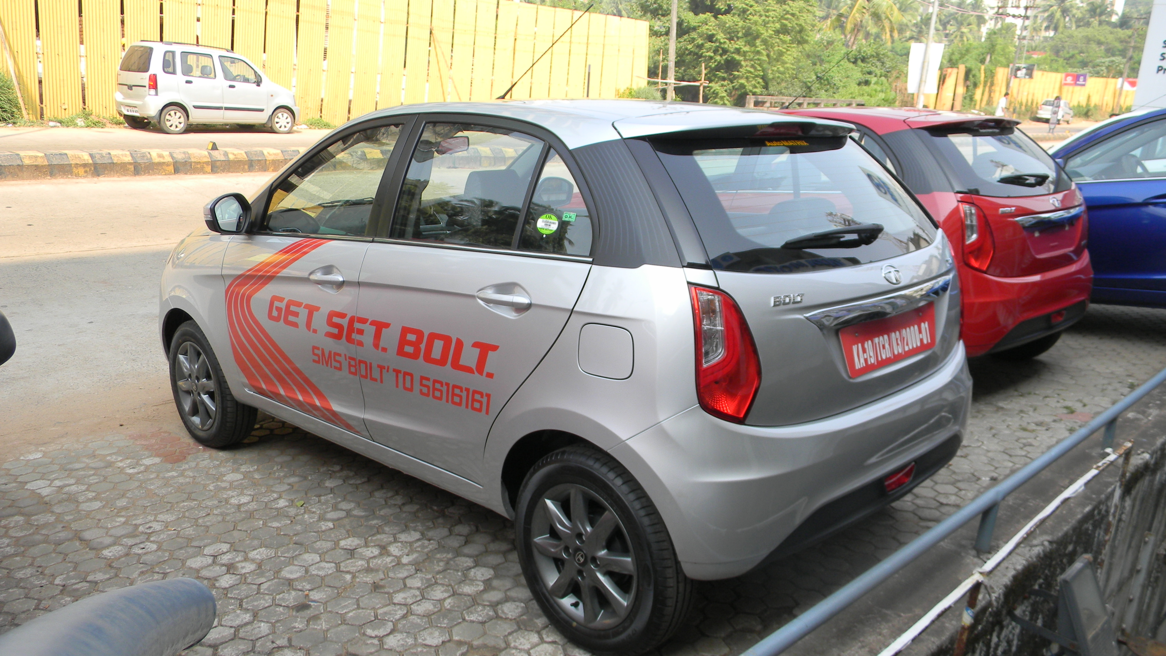 tata-bolt-brochure-pictures-images-snaps-photos