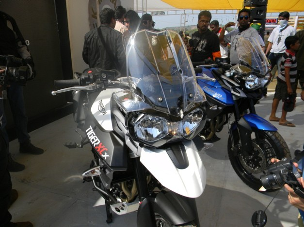 triumph-tiger-xcx-triumph-tiger-xrx-2015-india-bike-week-IBW-003