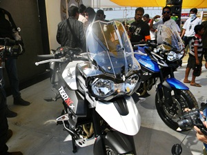 triumph-tiger-xcx-triumph-tiger-xrx-2015-india-bike-week