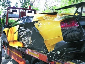 lamborghini-murcielago-sv-crashed-in-new-delhi