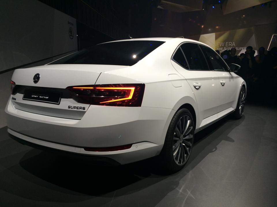 2016 Accord White >> 2016 Skoda Superb breaks cover, to launch in India in 2016