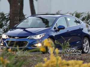 2016-chevrolet-cruze-facelift-spied-india