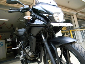 bajaj-pulsar-as150-detailed-review-picture-gallery