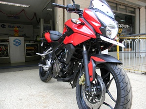 bajaj-pulsar-as200-detailed-review-picture-gallery