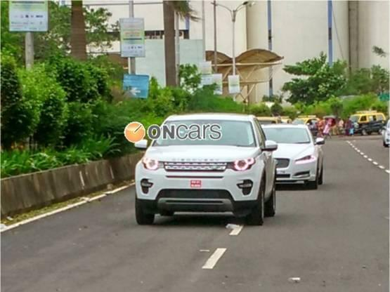 land-rover-discovery-sport-front-spied-in-india
