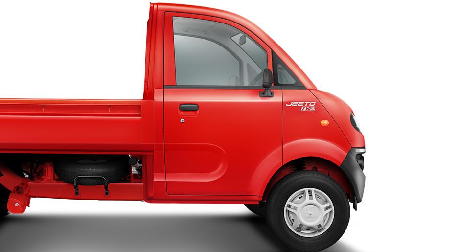 new mahindra jeeto minitruck launched in india price