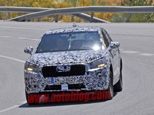 audi-q1-compact-suv-spied-testing