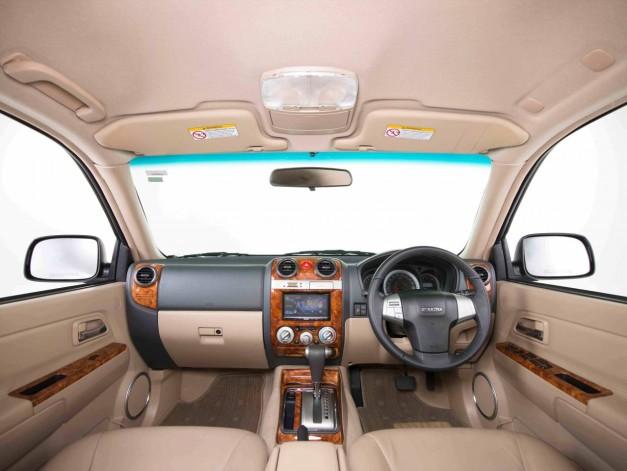 isuzu-mu-7-automatic-interior-inside-dashboard-india