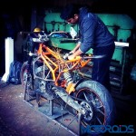 customised-modified-yamaha-rd-350-ktm-duke-390-flying-sikh (11)
