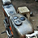customised-modified-yamaha-rd-350-ktm-duke-390-flying-sikh (13)