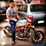 customised-modified-yamaha-rd-350-ktm-duke-390-flying-sikh (16)