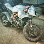 customised-modified-yamaha-rd-350-ktm-duke-390-flying-sikh (7)
