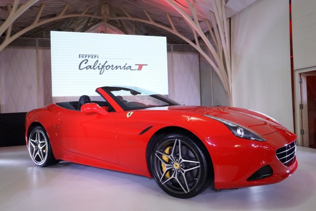 ferrari-california-t-launched-in-india-side