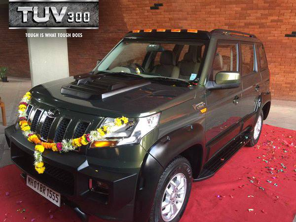 anand-mahindra-heavily-customized-mahindra-tuv300-side-profile