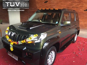 anand-mahindra-heavily-customized-mahindra-tuv300