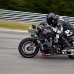 yamaha-xjr1300-el-solitario-customize-machine-on-track