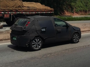 next-gen-2017-fiat-punto-spied-in-brazil