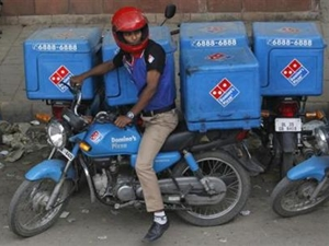 two-wheelers-india-scooter-motorcycle-carry-cargo-box-april-2016