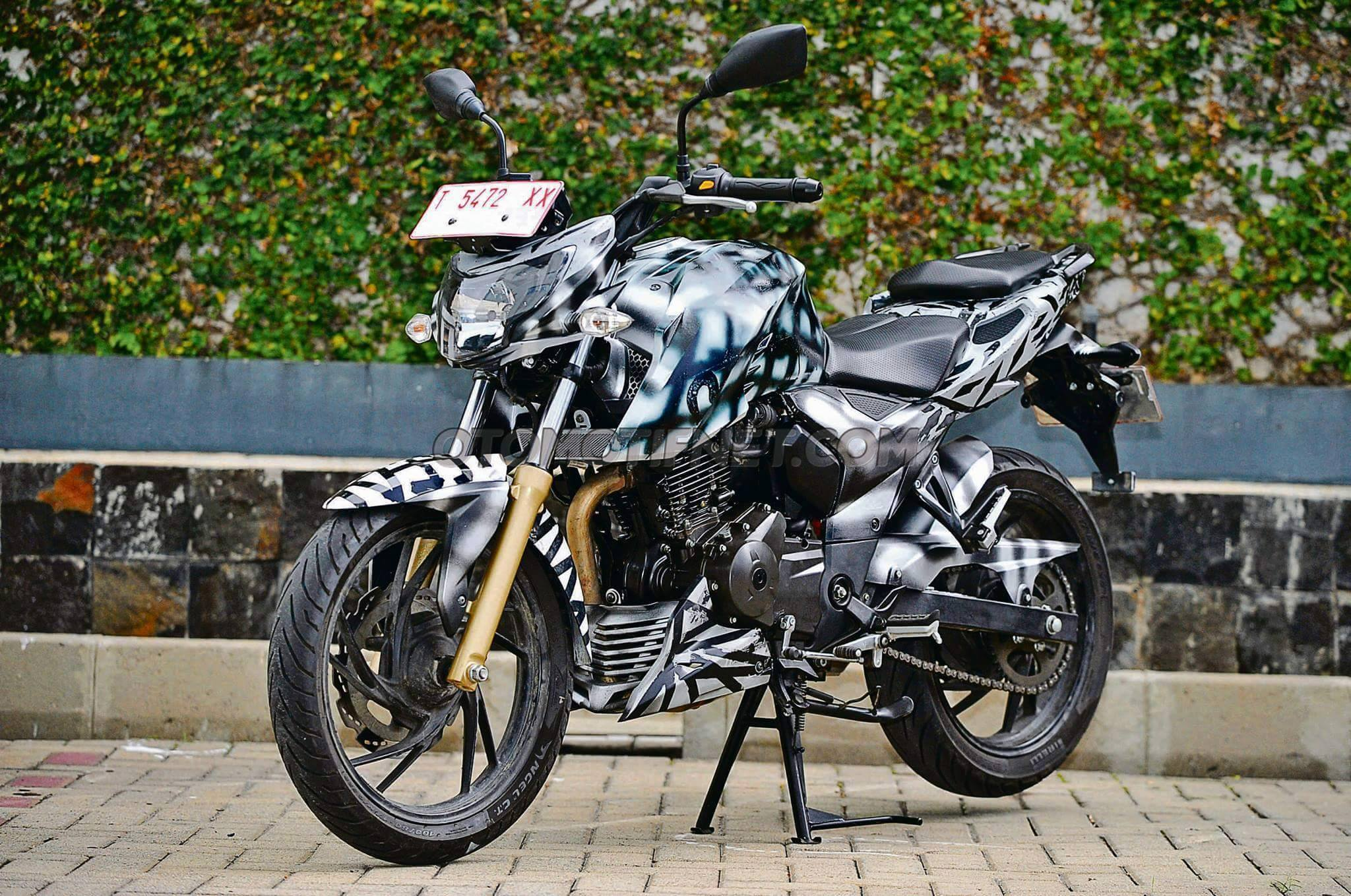 Spied Tvs Apache Rtr 200 4v Seen Again Without Wearing A