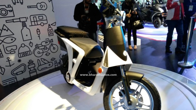 all-electric-mahindra-genze-2-0-scooter-two-wheel-pictures-photos-images-snaps-2016-auto-expo-front
