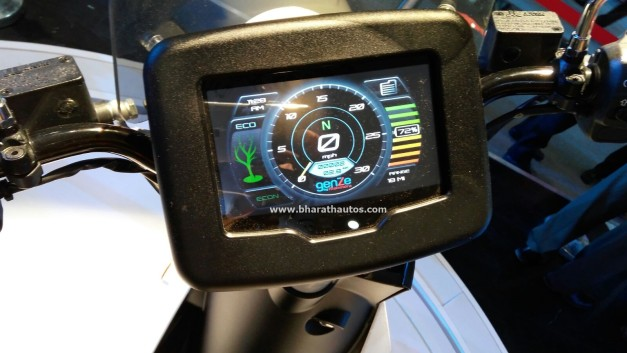 all-electric-mahindra-genze-2-0-scooter-two-wheel-pictures-photos-images-snaps-2016-auto-expo-instrument-cluster