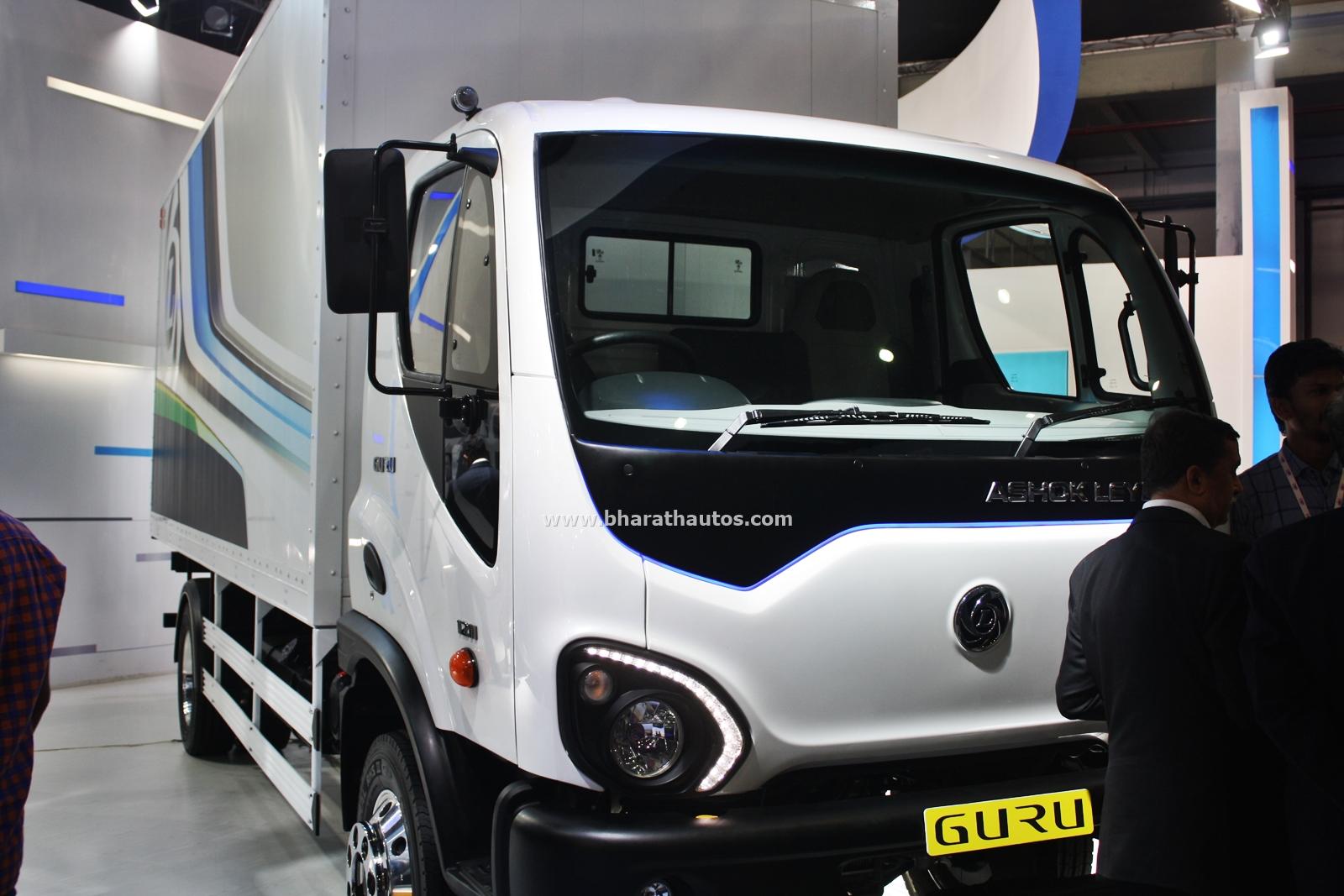 2016 Auto Expo Ashok Leyland Showcases 4940 Hybus Guru