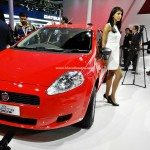 fiat-punto-pure-pictures-photos-images-snaps-2016-auto-expo-005