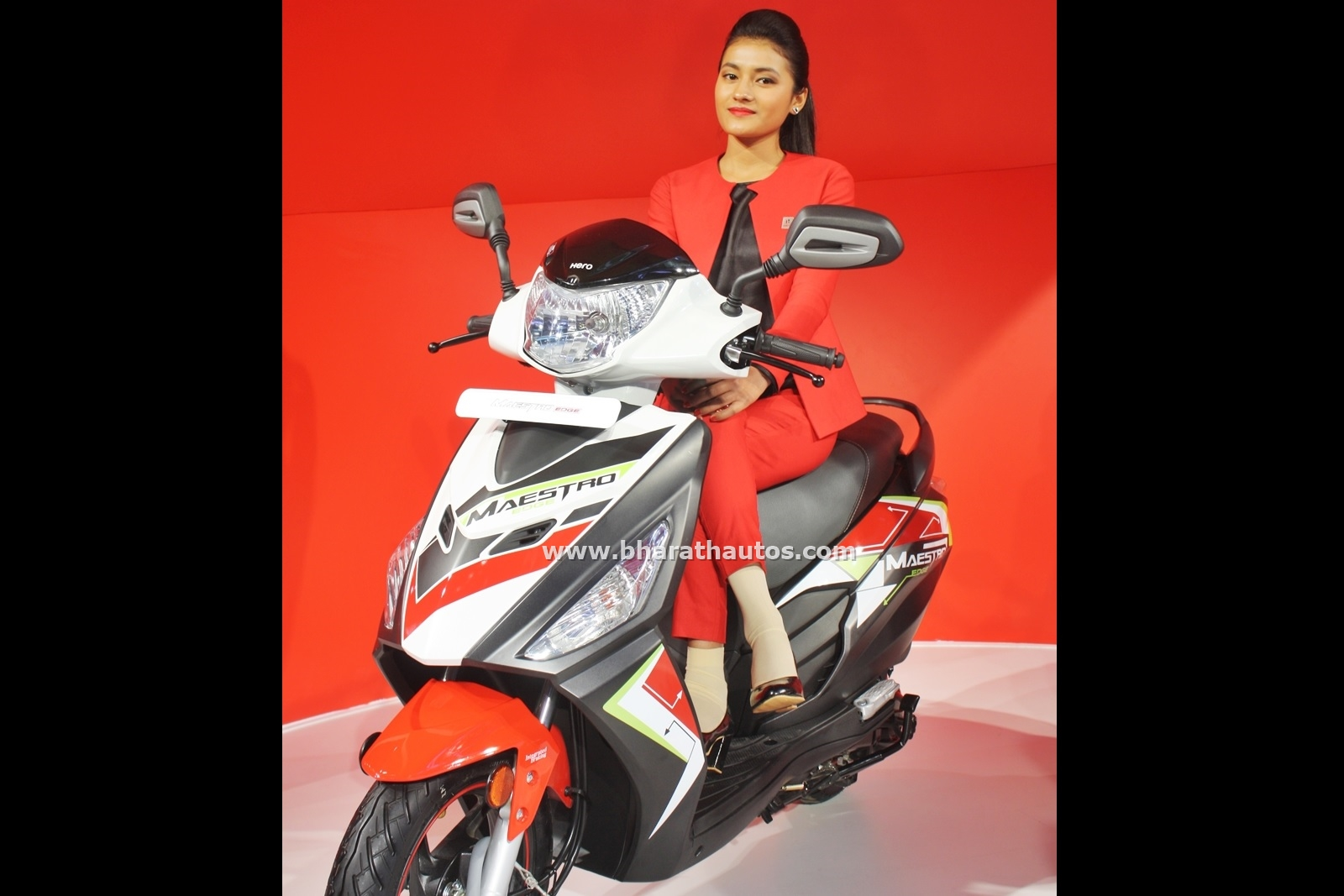 Hunk Modified >> Hero MotoCorp displayed 4 new two-wheelers, alongside the current range – 2016 Auto Expo
