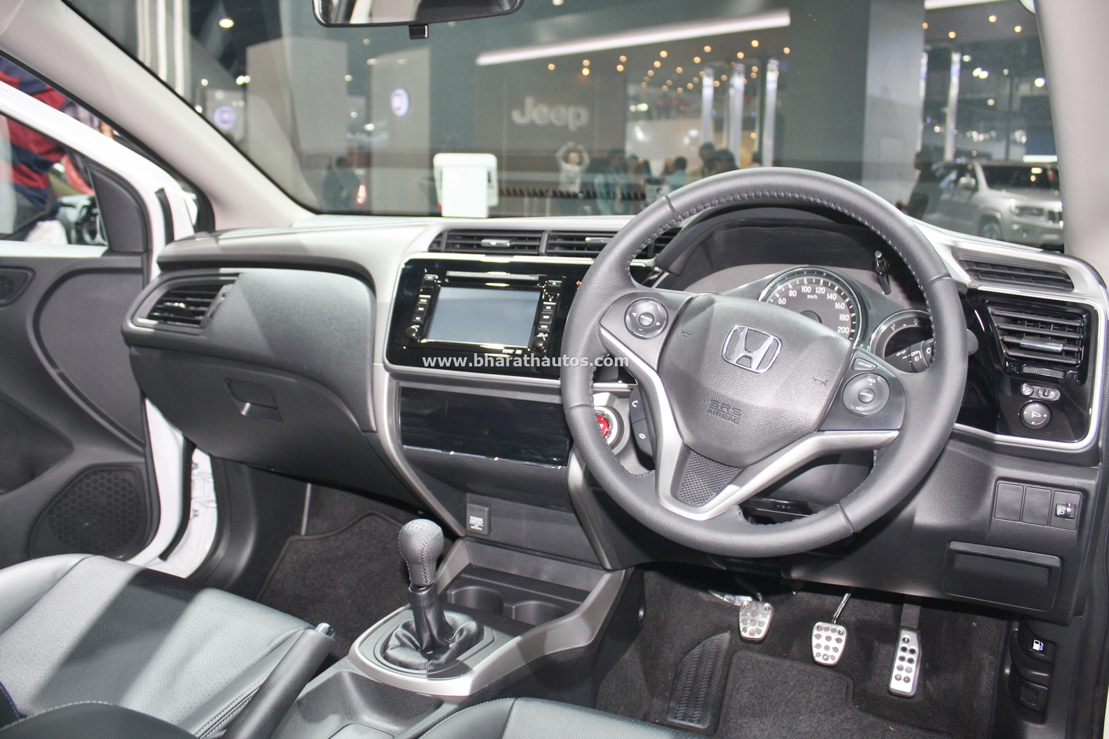 honda city kitted up model with black interior at 2016 auto expo. Black Bedroom Furniture Sets. Home Design Ideas