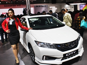 honda-city-black-interior-sports-kit-accessories-2016-auto-expo