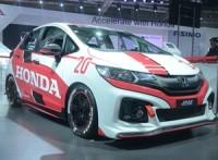honda-jazz-racing-concept-honda-accord-2016-auto-expo