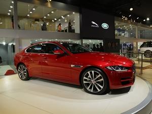 jaguar-xe-launched-2016-auto-expo