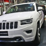 jeep-grand-cherokee-limited-summit-pictures-photos-images-snaps-2016-auto-expo-front-three-quarter