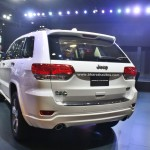 jeep-grand-cherokee-limited-summit-pictures-photos-images-snaps-2016-auto-expo-rear-view