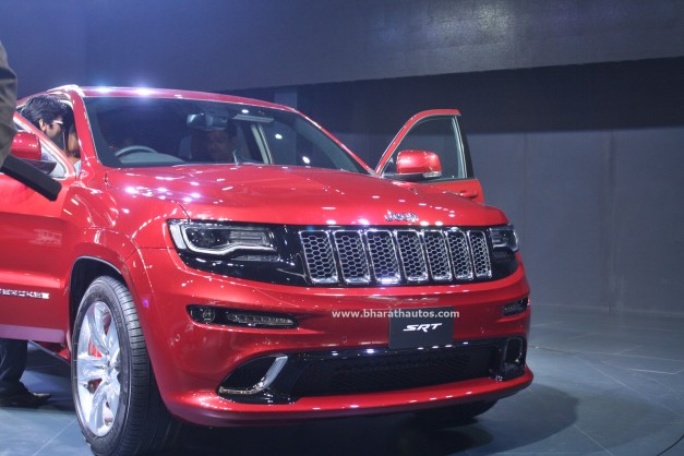 jeep-grand-cherokee-srt-2016-auto-expo-pictures-photos-images-snaps