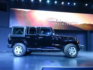 jeep-wrangler-unlimited-jeep-grand-cherokee-srt-2016-auto-expo