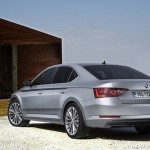 new-2016-skoda-superb-india-pictures-photos-images-snaps-rear
