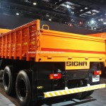 tata-signa-3118.t-india-pictures-photos-images-snaps-2016-auto-expo-side