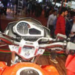 hero-xtreme-200-s-pictures-photos-images-snaps-2016-auto-expo-handlebar