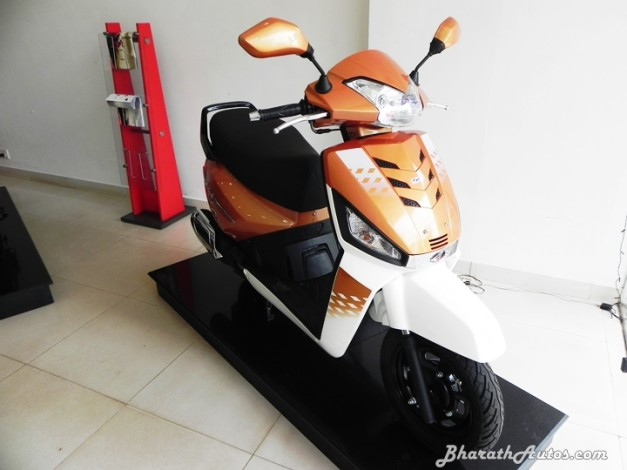 mahindra-gusto-125-front-pictures-photos-images-snaps