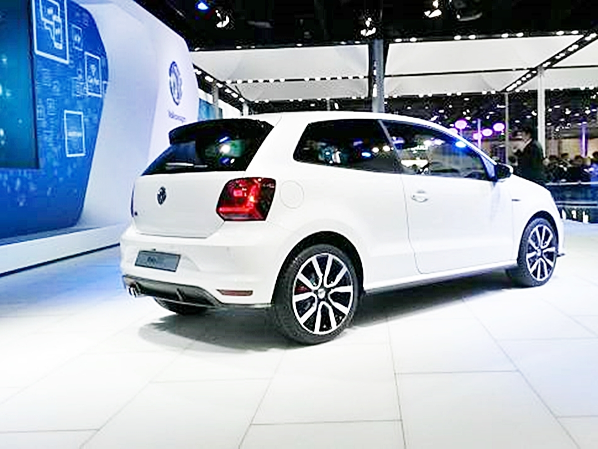 volkswagen polo gti unveiled at 2016 auto expo detailed report. Black Bedroom Furniture Sets. Home Design Ideas