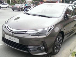 2016-toyota-corolla-facelift-spied-pictures-details