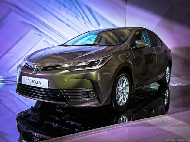 2017-new-toyota-corolla-facelift-india-front-pictures-photos-images-snaps