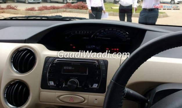toyota-etios-liva-facelift-interior-inside-dashboard-cabin-pictures-photos-images-snaps