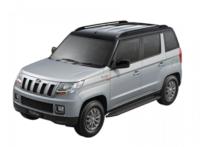 mahindra-tuv300-silver-black-dual-tone-colour-scheme