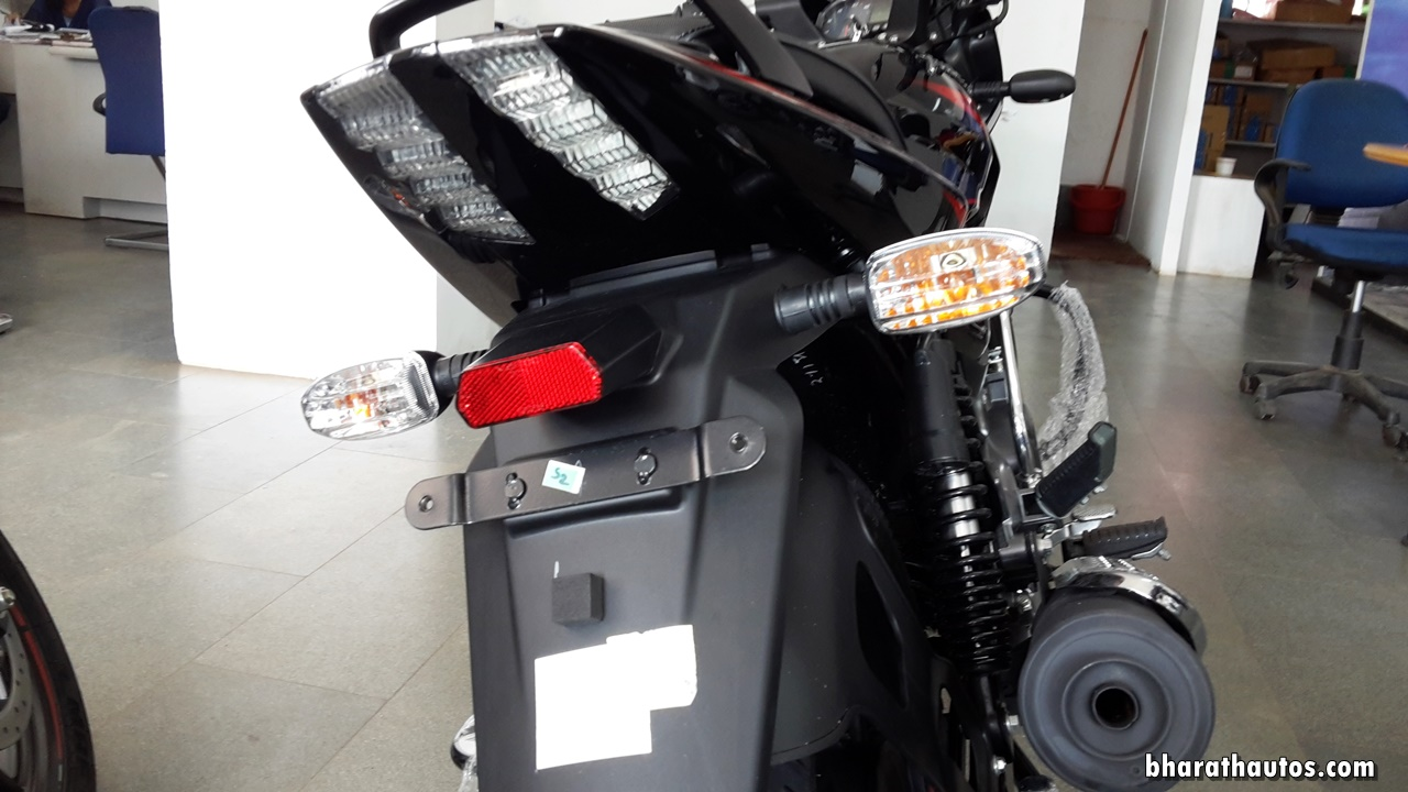 2017 bajaj pulsar 150 bs iii handle grab