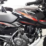 2017-bajaj-pulsar-150-bs-iii-side-pictures-photos-images-snaps-video